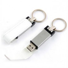 """USB-Flash накопитель - брелок (флешка) """"Leather Magnet"""" в металлическом корпусе, 32 Gb, с кожаным откидным клапаном на магните. Белый"""